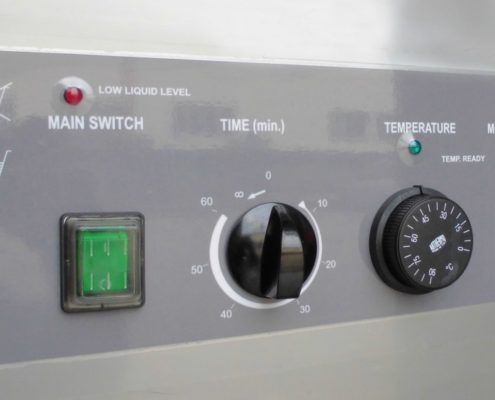 Na fotografii widoczna myjka ultradźwiękowa U 650